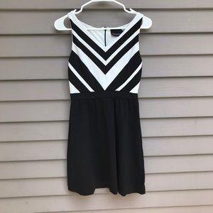Cynthia Rowley XS black and white dress